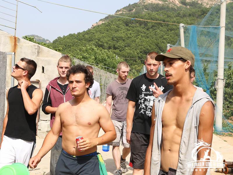 Recolectando Cerezas Qufu Shaolin Kung Fu School